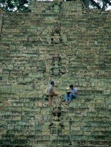sa12_kga0032_mhieroglyphic-staircase-temple-26-maya-copan-honduras-posters